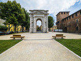 Italien, Venetien, Provinz Verona, Verona, Piazzetta Castelvecchio - 174551785
