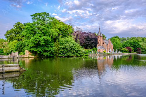 Plexiglas Brugge Bruges (Brugge) cityscape with Minnewater lake
