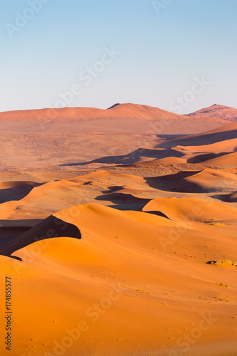 In de dag Oranje eclat Sossusvlei, Namib desert, Namibia, Africa