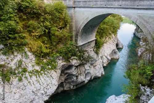 Fotobehang Bruggen Gorge of the Isonzo River