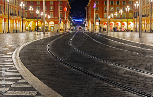 Spoed canvasdoek 2cm dik Nice NICE, FRANCE - NOVEMBER 3, 2014: Tram tracks in a cobbled square Massena