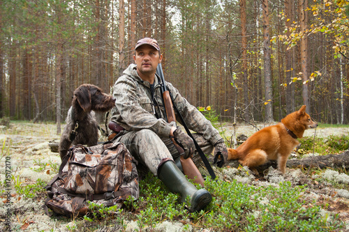 Fotobehang Jacht hunter with dogs