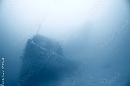Spoed canvasdoek 2cm dik Schipbreuk shipwreck, diving on a sunken ship, underwater landscape