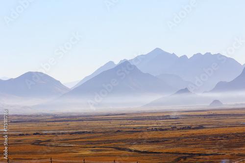 In de dag Blauwe hemel Tibetan landscape travel