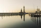 Winter im Hafen von Lindau - 175223753