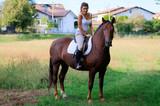La ragazza al cavallo - 175236949