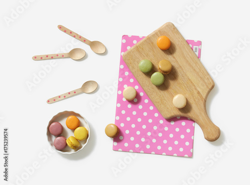 Spoed canvasdoek 2cm dik Macarons Sweet confectionery placed on chopping board