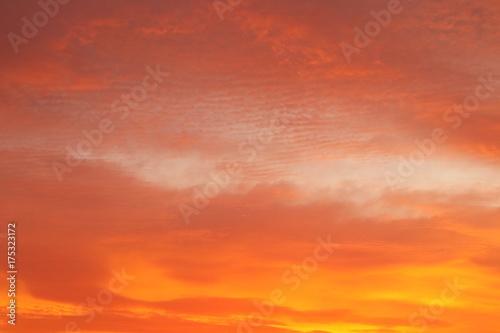 Foto op Canvas Oranje eclat 幻想的な朝焼け 背景イメージ