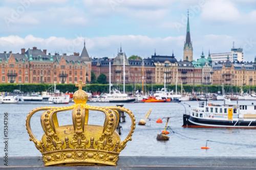 Fotobehang Stockholm Golden crown in Stockholm. Sweden
