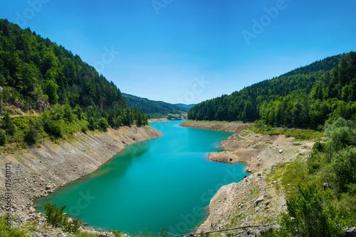 Deurstickers Blauw Lake Zaovine in Serbia