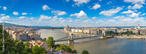 Leinwanddruck Bild Panoramic view of Budapest