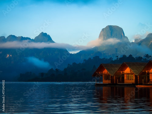 Foto op Aluminium Pool River view with mountains and cloudy