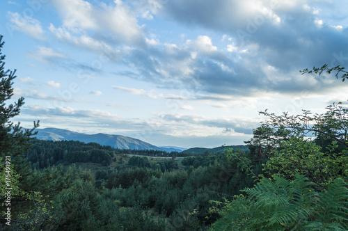 In de dag Blauwe hemel Hills