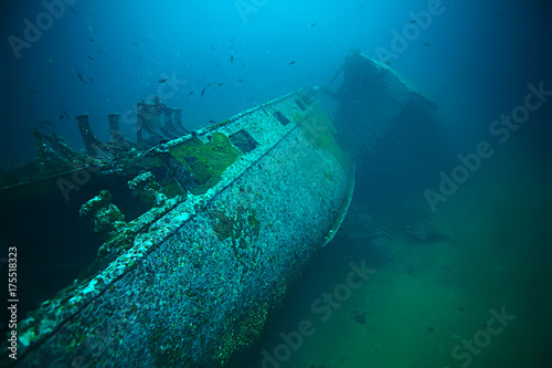 Foto op Canvas Schipbreuk shipwreck, diving on a sunken ship, underwater landscape