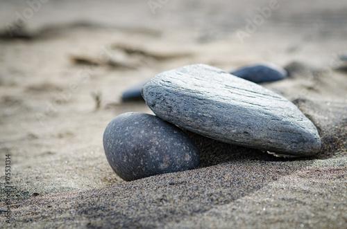 Foto op Plexiglas Stenen in het Zand Stein im Sand