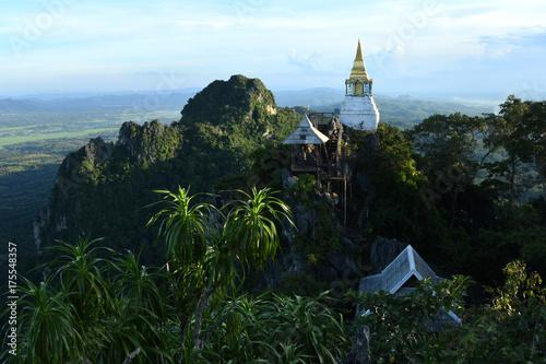 Staande foto Boeddha Wat Phaphutabara Suthawat temple in Lampang, Thailand.