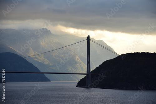 Most Hardanger w Norwegii.