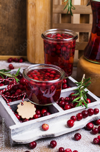Deurstickers Sap Cranberries with the syrup