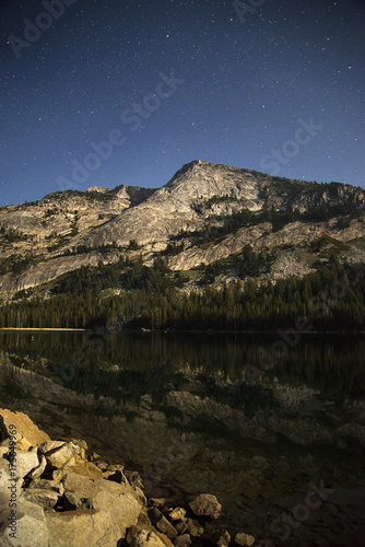 Fotobehang Bergrivier Tenaya Peak Stars