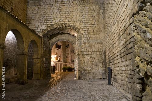 Archway in the old town of Eivissa, Ibiza, Balearen, Spanien
