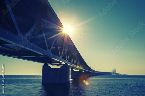 Spoed canvasdoek 2cm dik Zee zonsondergang Oresund Bridge,oresunds bron, bridge on the sea ,architecture landscape in sweden