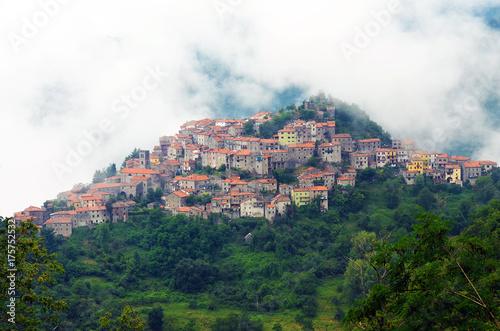 Keuken foto achterwand Toscane Mountain Village, Montefegatasi, Italy