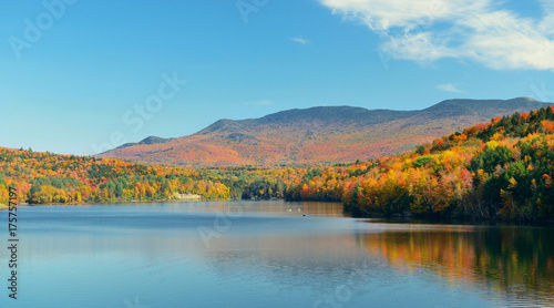 Fotobehang Blauw Lake Autumn Foliage