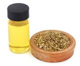 Dry oregano with essential oil - 175772352