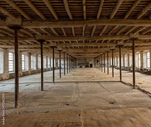 Fotobehang Barcelona Antigua fábrica textil del siglo XIX, revolucion industrial catalana