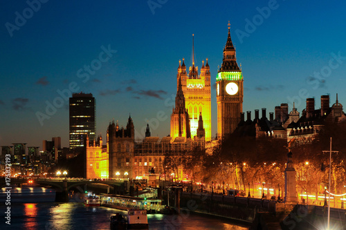 In de dag Londen Big Ben night color
