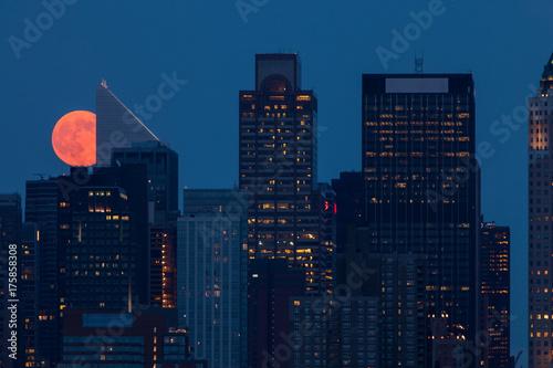 Staande foto New York Moon over New York City