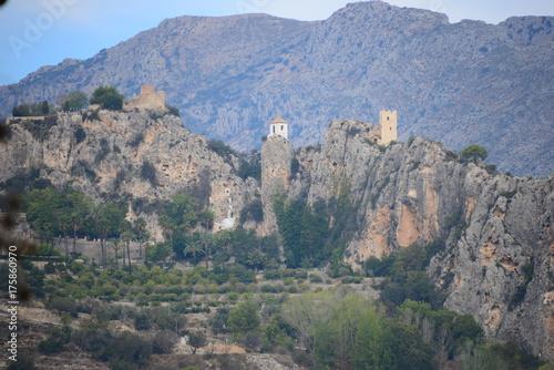 Verstecktes Dorf im Gebirge, Costa Blanca, Guadalest, Spanien Poster