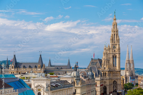 Staande foto Wenen A view of Vienna's City Hall (Wiener Rathaus), Austria, from the rooftop of Vienna's Palace of Justice