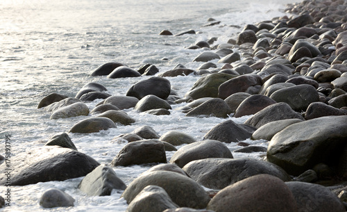 Staande foto Grijze traf. The coast, with stone boulders. Barents sea, Russia.