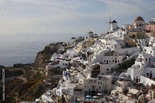 Foto op Aluminium Santorini Oia, village de Santorin, île des Cyclades en mer Egée