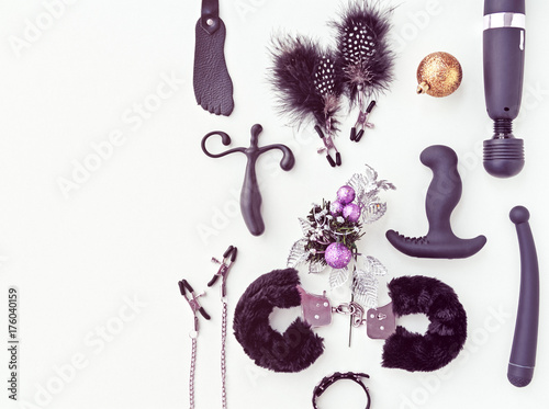various sex toys hancuffs vibrator nipple clamps and other and christmas decorations - Christmas Sex Toys