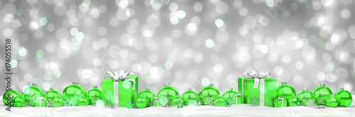 Papiers peints Echelle de hauteur Green and white christmas gifts and baubles lined up 3D rendering