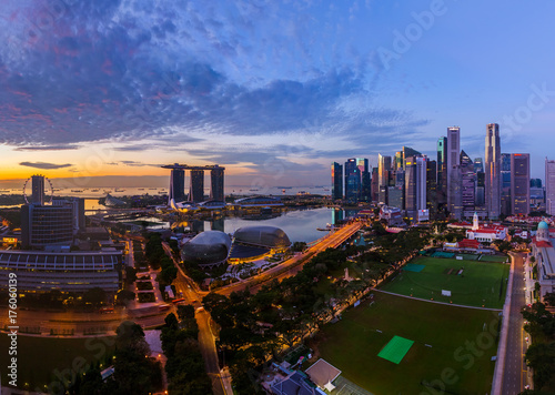 SINGAPORE - APRIL 16: Singapore city skyline and Marina Bay on April 16, 2016 in Poster