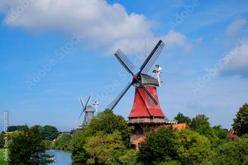 Tuinposter Noordzee Zwillingsmühlen von Greetsiel