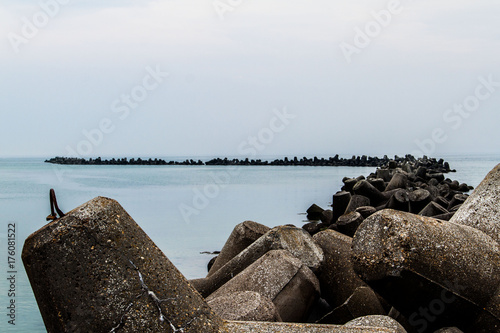 Poster Noordzee Wellenbrecher auf der Nordseeinsel Helgoland.