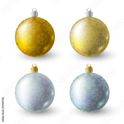 In de dag Bol Set of golden and silver Christmas balls with snowflakes ornate