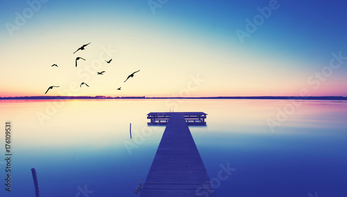 Poster romantischer Steg am See