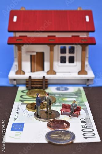 immobilier logement maison vente achat agence pret hypotheque argent euros banque credit notaire acte compromis - 176109570