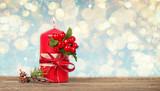 rote Kerze zum Advent - 176111345