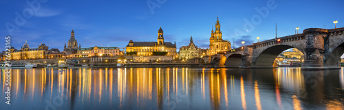 Papiers peints London evening panorama of Dresden, high resolution