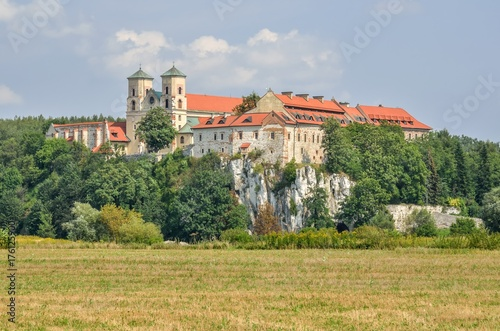Papiers peints Cracovie Beautiful historic monastery. Benedictine abbey in Tyniec near Krakow, Poland.