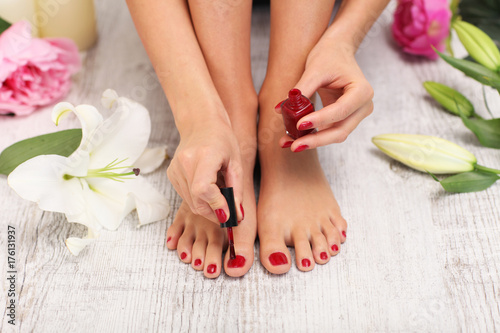 Poster Pedicure Woman is dingier pedicure.