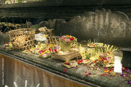 In de dag Bali Offerings to Gods.