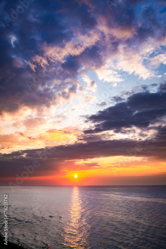 Foto op Canvas Zee zonsondergang Wonderful dusk over calm ocean in summer