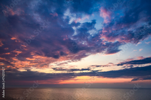Foto op Canvas Zee zonsondergang Beautiful sunset over calm sea in summer